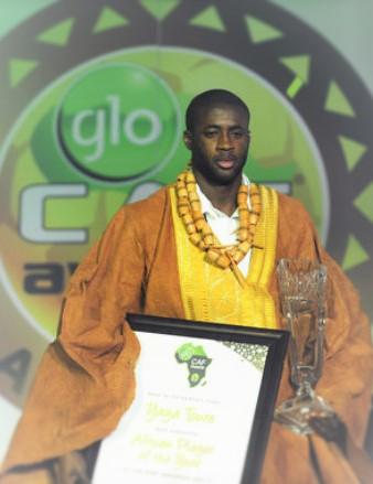 yaya_toure_winning_CAF_award