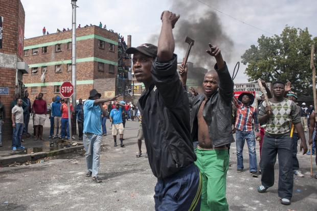 rioting_south_africa