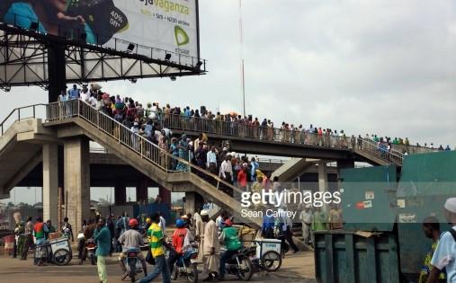 crowded_pedestrian_bridge