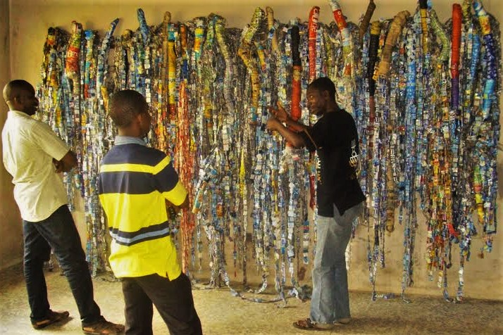 lanrewaju_tejuoso_explaining-an-installation-at-art-museum