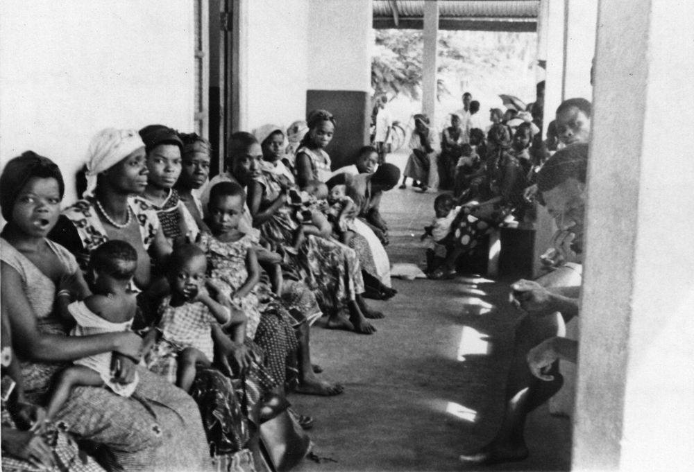 Photograph, patients at St. Luke's Hospital in Nigeria-jfk library