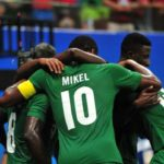 John-Mikel-Obi-and-Dream-Team-VI-players